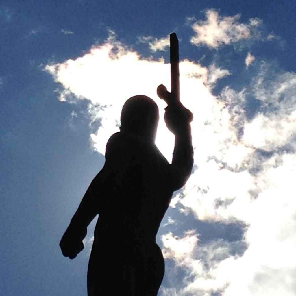 Local Statue of Liberty. This at a time very controversial statue was ruled to be remained on its place by the Supreme Administrative Court in 1923. (Paikallinen Vapauden patsas. Aikanaan kovasti kiistelty patsas sai jäädä paikalleen korkeimman hallinto-oikeuden päätöksellä 1923.)
